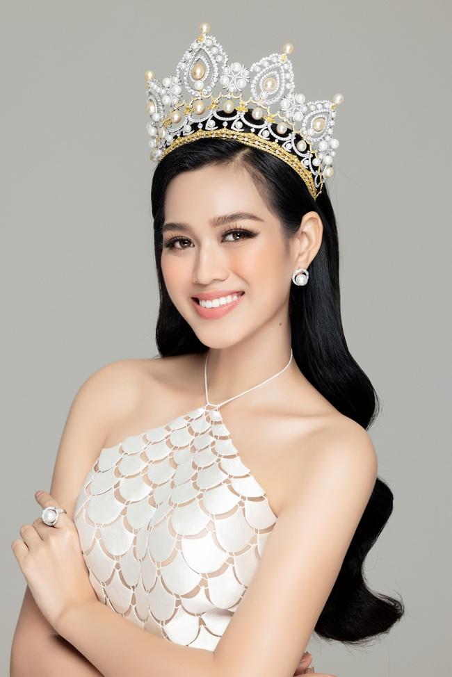 Soi nhan sắc Hoa hậu Đỗ Thị Hà và 2 Á hậu sau một tháng đăng quang - Ảnh 7.