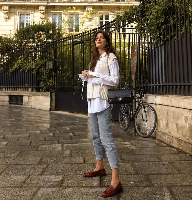 Xem gái Tây diện quần jeans mà thấy được mở mang tầm mắt: 13 cách mặc siêu thanh lịch, xịn đẹp và tôn dáng tối đa - Ảnh 7.