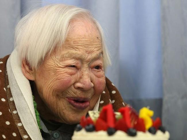 Bữa ăn của những người sống thọ trên 100 tuổi có những gì? - Ảnh 1.