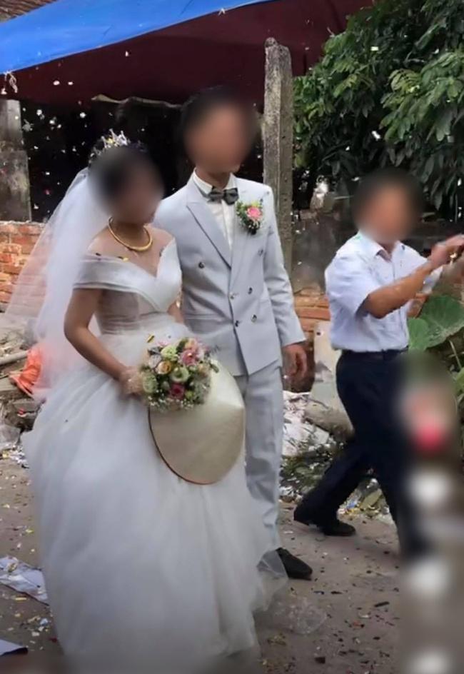 Cô dâu và chú rể đã