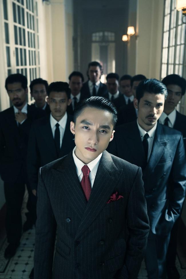 Sơn Tùng M-TP kể chuyện yêu xuyên không với Hải Tú, MV  giống hệt phim TVB, cả bài hát chỉ có 1 câu duy nhất - Ảnh 9.