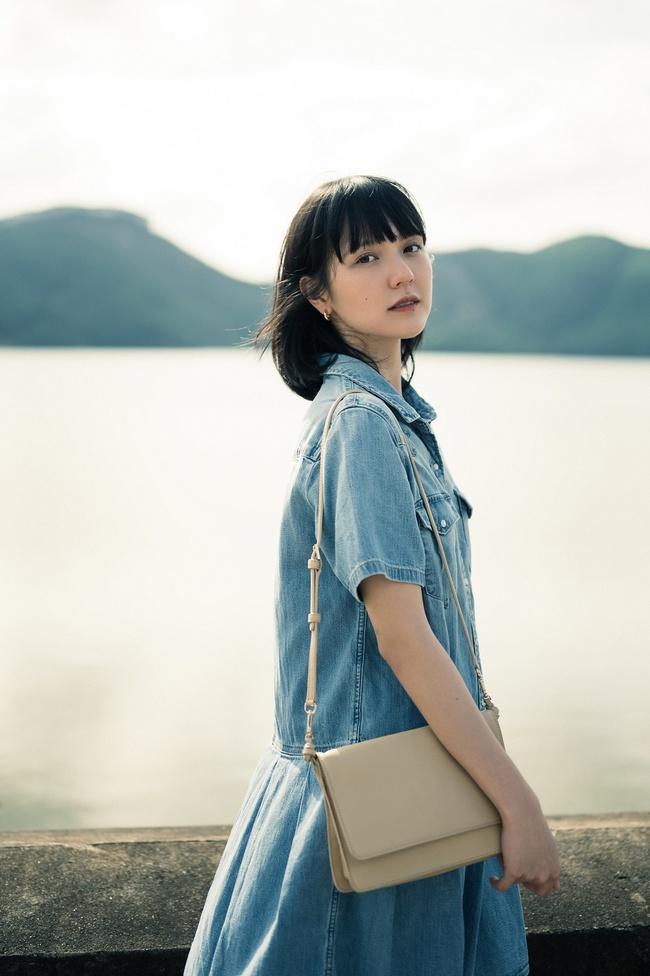 Sơn Tùng M-TP kể chuyện yêu xuyên không với Hải Tú, MV  giống hệt phim TVB, cả bài hát chỉ có 1 câu duy nhất - Ảnh 7.