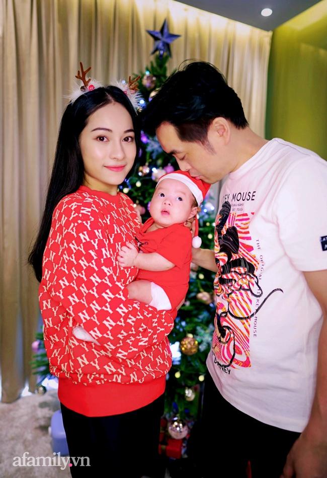 Gia đình Dương Khắc Linh - Sara Lưu háo hức đón Giáng sinh thật đặc biệt bên cặp song sinh đáng yêu - Ảnh 4.