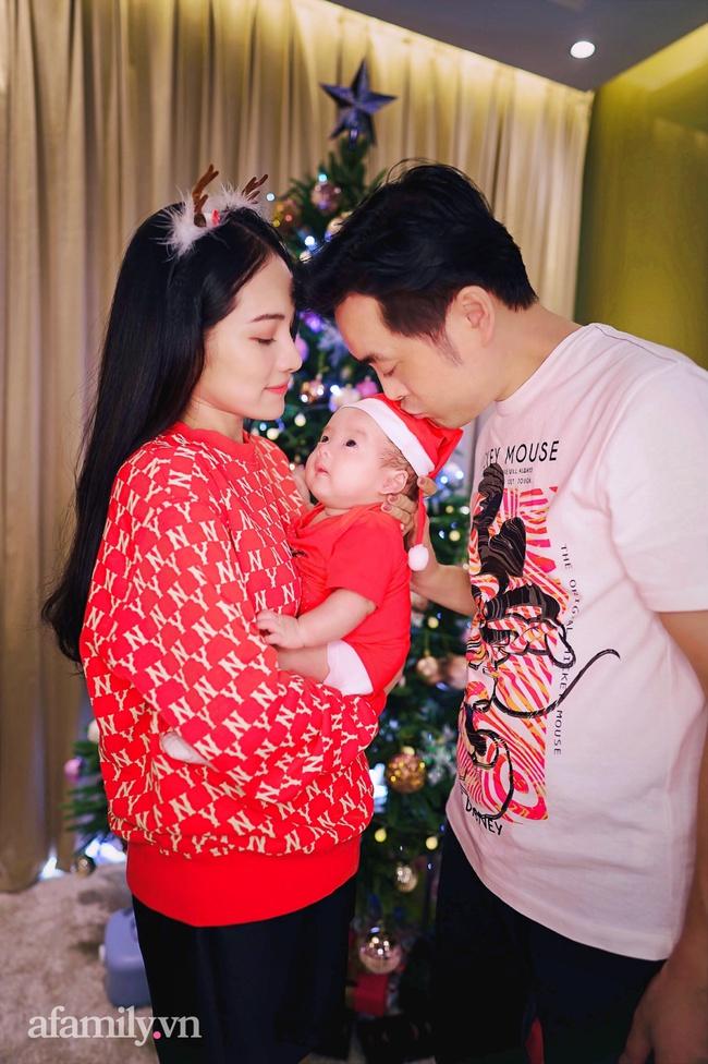 Gia đình Dương Khắc Linh - Sara Lưu háo hức đón Giáng sinh thật đặc biệt bên cặp song sinh đáng yêu - Ảnh 3.