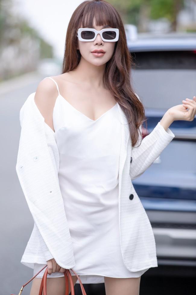 Sau Phương Thanh - Hồ Quỳnh Hương, Trà Ngọc Hằng chuyển qua hát hit Thu Minh - Ảnh 3.