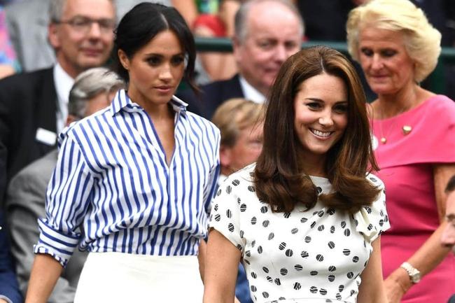 """5 điều Công nương Kate làm cho các con được ngợi khen hết lời, nhưng lại khiến Meghan """"muối mặt"""" vì nhìn thôi cũng đã chào thua - Ảnh 1."""