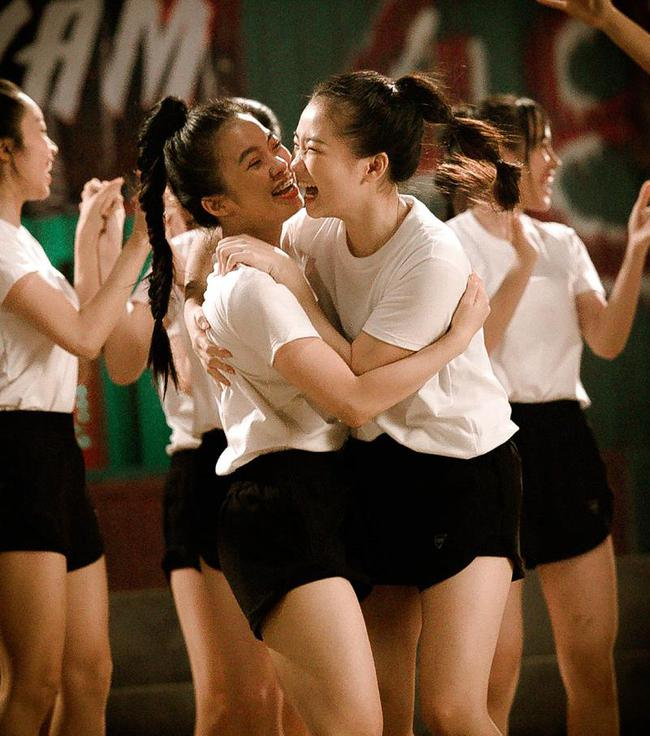 Nhóm nữ 23 cô gái - SGO48 tung MV cùng lúc với Sơn Tùng M-TP, lên tiếng về chuyện bị so sánh - Ảnh 6.