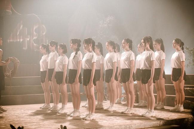 Nhóm nữ 23 cô gái - SGO48 tung MV cùng lúc với Sơn Tùng M-TP, lên tiếng về chuyện bị so sánh - Ảnh 8.