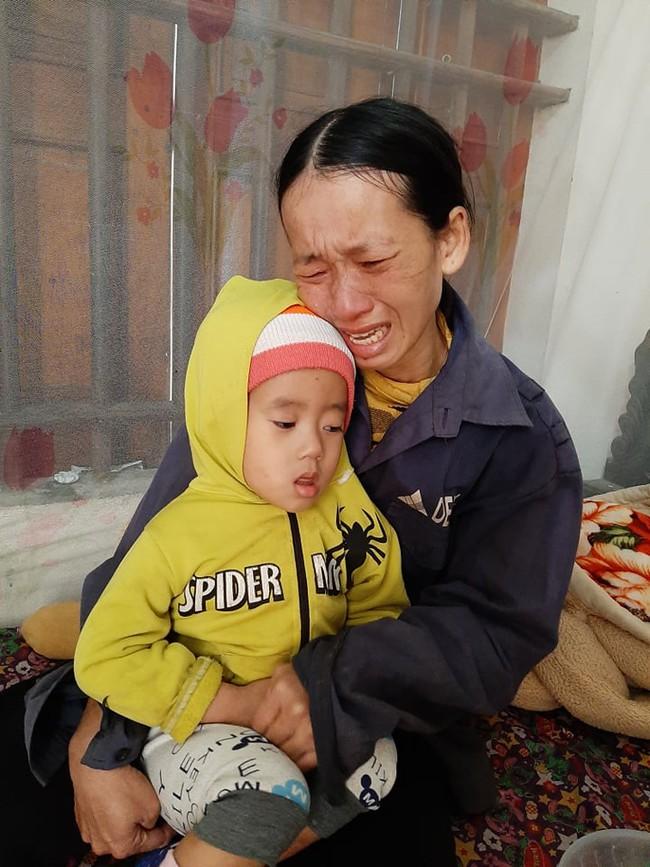 4 đứa con sinh ra đều lần lượt chết yểu, người mẹ đau đớn chắp tay khẩn cầu cộng đồng cứu lấy đứa con còn lại - Ảnh 5.