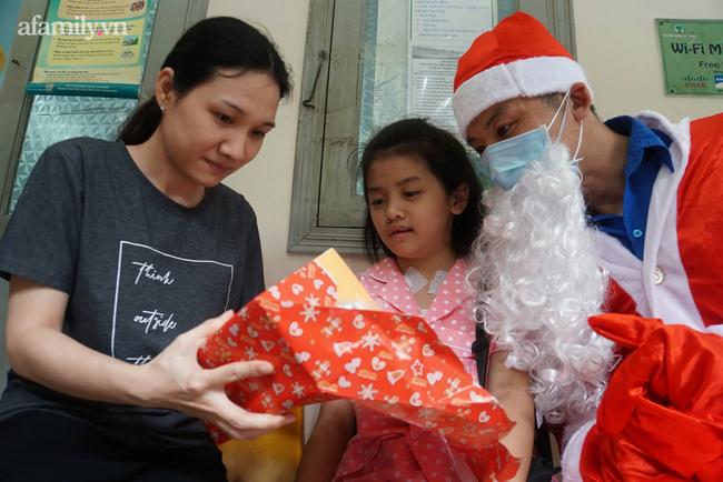 """Xúc động điều ước Giáng sinh của các bệnh nhi chạy thận, ung thư: """"Con chỉ muốn hết bệnh, về nhà cùng quả cầu tuyết"""" - Ảnh 8."""