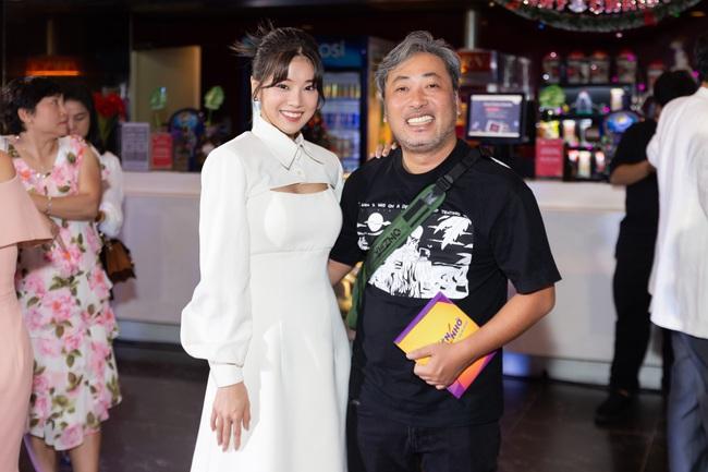 """""""Người cần quên phải nhớ"""" ra mắt: Hoàng Yến Chibi mắc cỡ khi xem lại cảnh hôn trai đẹp - Ảnh 5."""