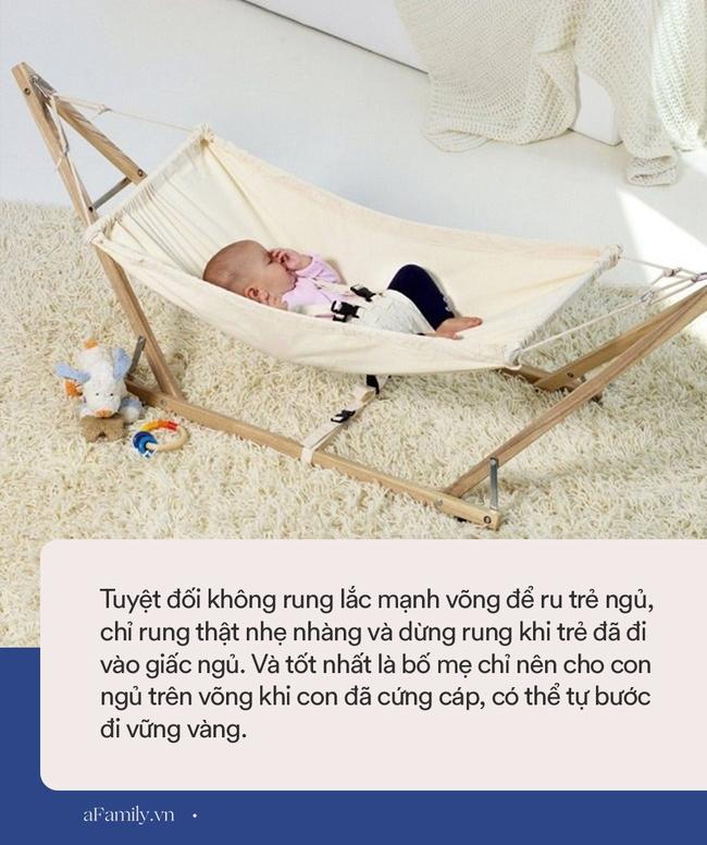 Hú vía xem clip em bé suýt văng khỏi chiếc võng điện đung đưa tốc độ nhanh, vật dụng có thể khiến trẻ tử vong nhưng nhiều mẹ vẫn dùng - Ảnh 3.