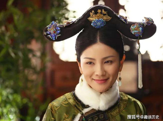 Chuyện về phi tần nhỏ hơn Hoàng đế 41 tuổi: Vừa nhập cung đã liên tục sinh 5 con trai, hậu bối của bà đều lên ngôi Hoàng đế nhà Thanh - Ảnh 1.