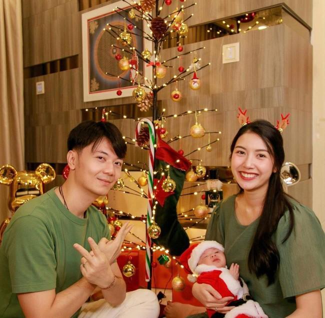 Con trai Á hậu Thúy Vân lại khiến người hâm mộ mê tít vì bàn tay điểm nhấn của  - Ảnh 2.