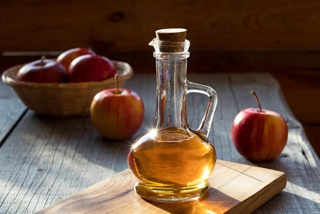 Rượu giấm táo liệu có chữa được cảm lạnh? Đây là câu trả lời đến từ các chuyên gia - Ảnh 2.