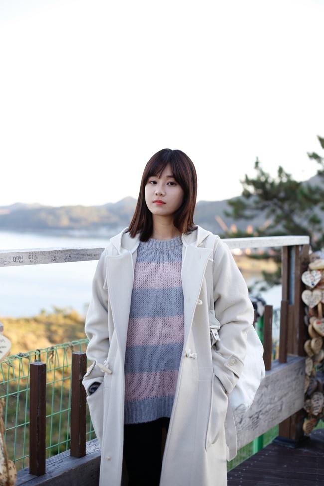 Hoàng Yến Chibi nựng má, sà vào lòng Sung Hoon trong bộ phim chiếu ở Hàn Quốc  - Ảnh 4.