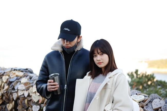 Hoàng Yến Chibi nựng má, sà vào lòng Sung Hoon trong bộ phim chiếu ở Hàn Quốc  - Ảnh 7.
