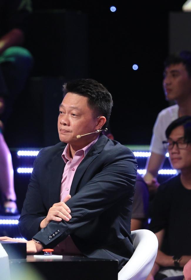 Ký ức vui vẻ: Khoảnh khắc BTV Quang Minh bật khóc nức nở khiến MC Lại Văn Sâm rơi nước mắt theo - Ảnh 3.