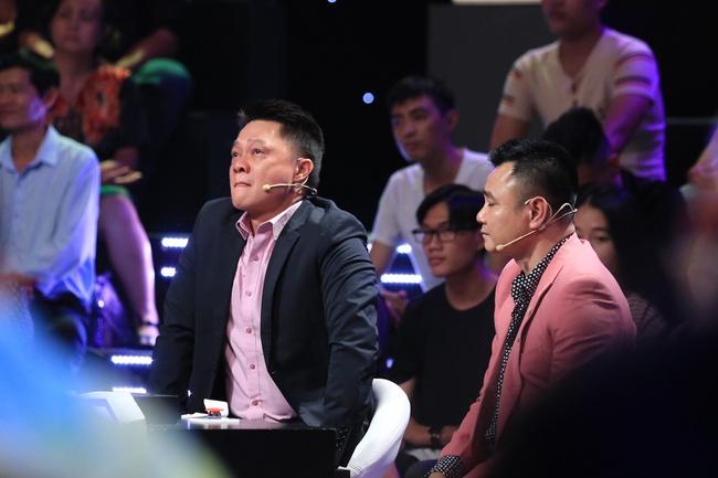 Ký ức vui vẻ: Khoảnh khắc BTV Quang Minh bật khóc nức nở khiến MC Lại Văn Sâm rơi nước mắt theo - Ảnh 6.