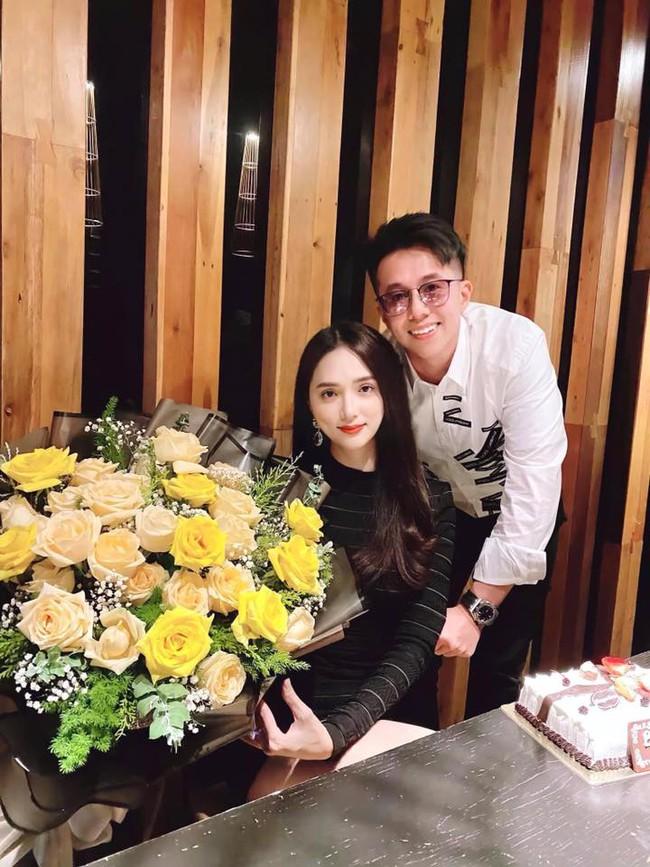 Hương Giang và bạn trai CEO Singapore kỷ niệm nửa năm bên nhau - Ảnh 2.