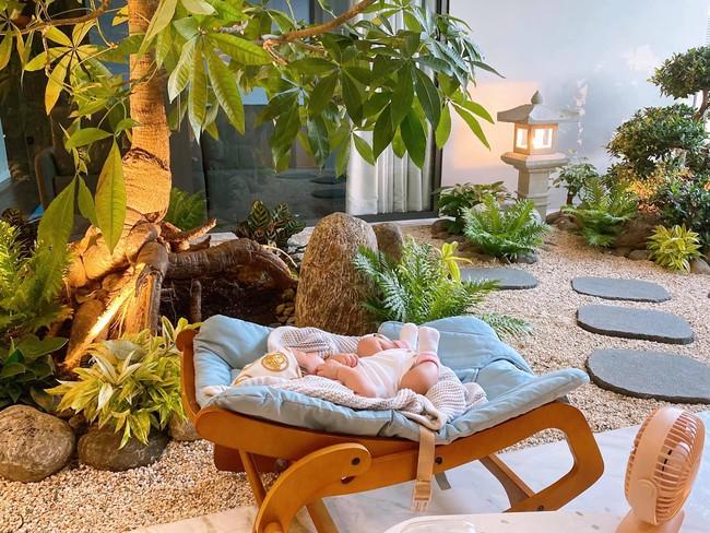 Dàn nhóc tỳ Vbiz chào đời năm 2000: Con Đông Nhi, Hồ Ngọc Hà vừa sinh ra đã được chăm sóc như công chúa - hoàng tử , ái nữ nhà Cường Đô La sở hữu đồ hiệu hơn nửa tỷ - Ảnh 8.