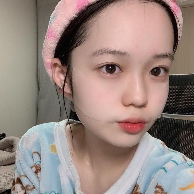 """Phụ nữ Hàn có 5 tips tưởng đơn giản mà """"thông minh vô cực"""" để giữ da luôn mọng mướt bất chấp trời Đông khô hanh tới đâu - Ảnh 2."""