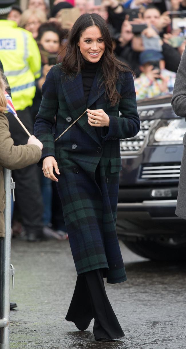 Meghan Markle hóa ra là cao thủ diện áo khoác dáng dài, xem mà học được 11 outfit để style sang như người Hoàng gia - Ảnh 1.