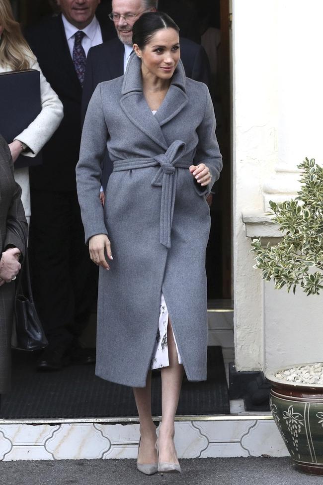 Meghan Markle hóa ra là cao thủ diện áo khoác dáng dài, xem mà học được 11 outfit để style sang như người Hoàng gia - Ảnh 5.