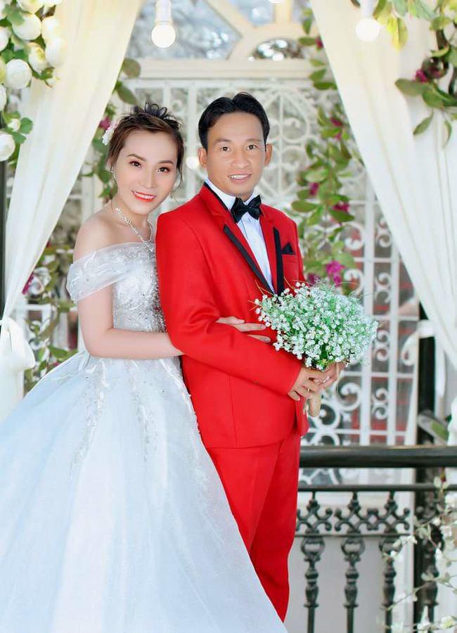 """""""Hẹn ăn trưa"""": Đại gia Bình Phước mang tiền tỷ đi tìm vợ chính thức cưới nữ chính U40 sau 4 tháng - Ảnh 9."""