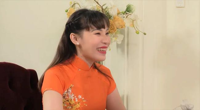 """""""Hẹn ăn trưa"""": Đại gia Bình Phước mang tiền tỷ đi tìm vợ chính thức cưới nữ chính U40 sau 4 tháng - Ảnh 6."""