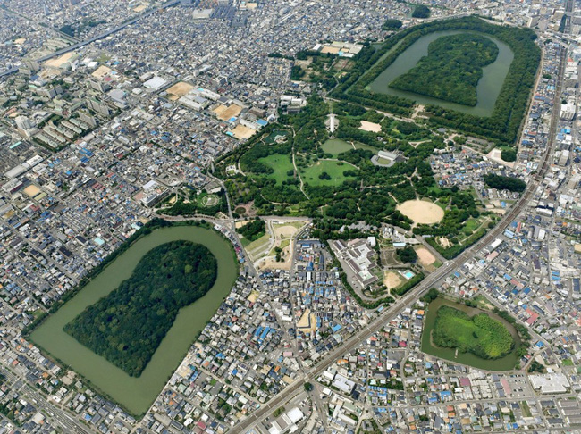 """Bí ẩn khu lăng mộ lớn nhất thế giới tại Nhật Bản: Hình thù kỳ lạ, bất khả xâm phạm và là nơi yên nghỉ của """"Thiên hoàng thần thoại"""" - Ảnh 6."""