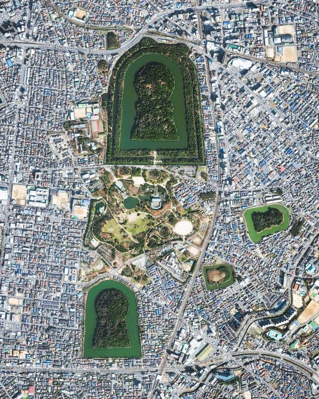 """Bí ẩn khu lăng mộ lớn nhất thế giới tại Nhật Bản: Hình thù kỳ lạ, bất khả xâm phạm và là nơi yên nghỉ của """"Thiên hoàng thần thoại"""" - Ảnh 1."""