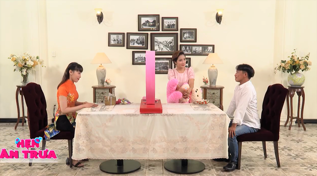 """""""Hẹn ăn trưa"""": Đại gia Bình Phước mang tiền tỷ đi tìm vợ chính thức cưới nữ chính U40 sau 4 tháng - Ảnh 3."""