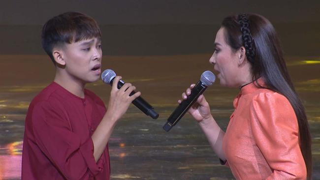"""Hồ Văn Cường càng lớn càng khác lạ, Phi Nhung lo sợ con nuôi bị """"lây đào hoa""""  - Ảnh 7."""
