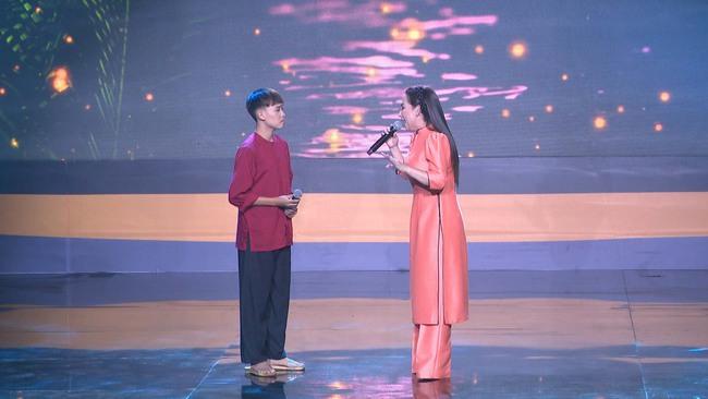 """Hồ Văn Cường càng lớn càng khác lạ, Phi Nhung lo sợ con nuôi bị """"lây đào hoa""""  - Ảnh 6."""
