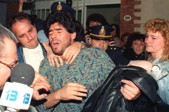Huyền thoại Diego Maradona và vết trượt dài trong tệ nạn để rồi nhận hậu quả nặng nề cho những năm tháng chơi bời không hồi kết - Ảnh 5.