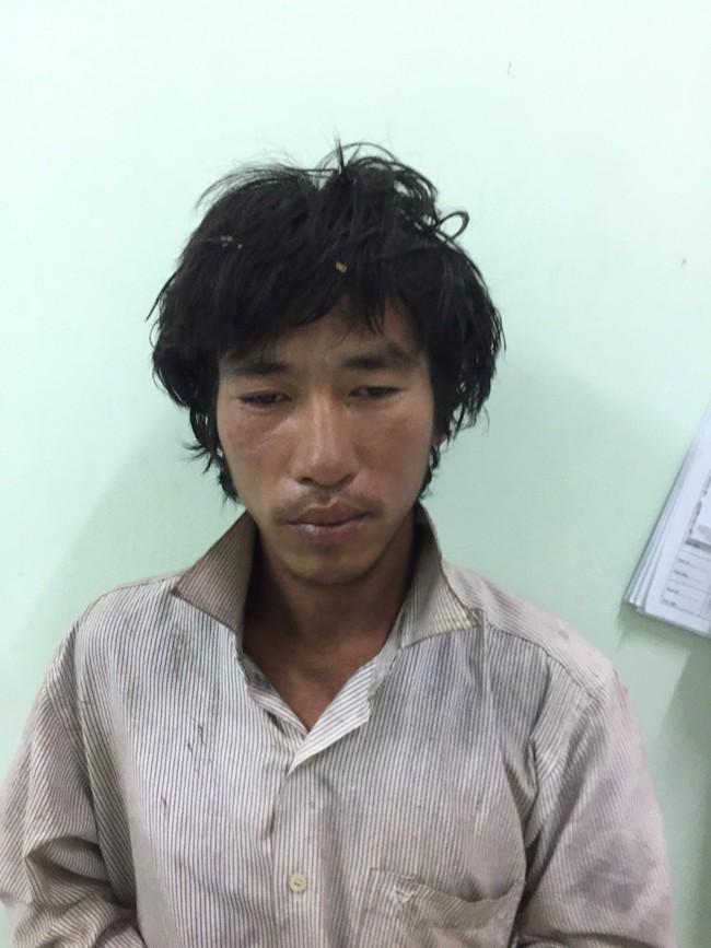Vừ Seo Pao, (SN 1989, dân tộc Mông, trú tại thôn Khuôn Thẳm, xã Tân Mỹ, huyện Chiêm Hóa) bỏ trốn khỏi khu cách ly sau khi từ Trung Quốc trở về.