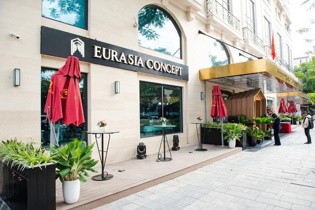 Eurasia Concept, nhà phân phối nội thất thủ công Ý khai trương showroom đầu tiên tại Hà Nội - Ảnh 1.