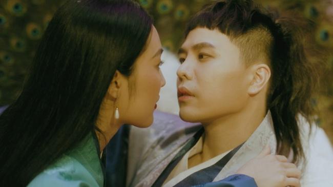 """Trịnh Thăng Bình hé lộ dự án lấy cảm hứng từ """"Truyện Kiều"""", Min gây tò mò với cú bắt tay cùng JustaTee và Yuno BigBoi - Ảnh 3."""