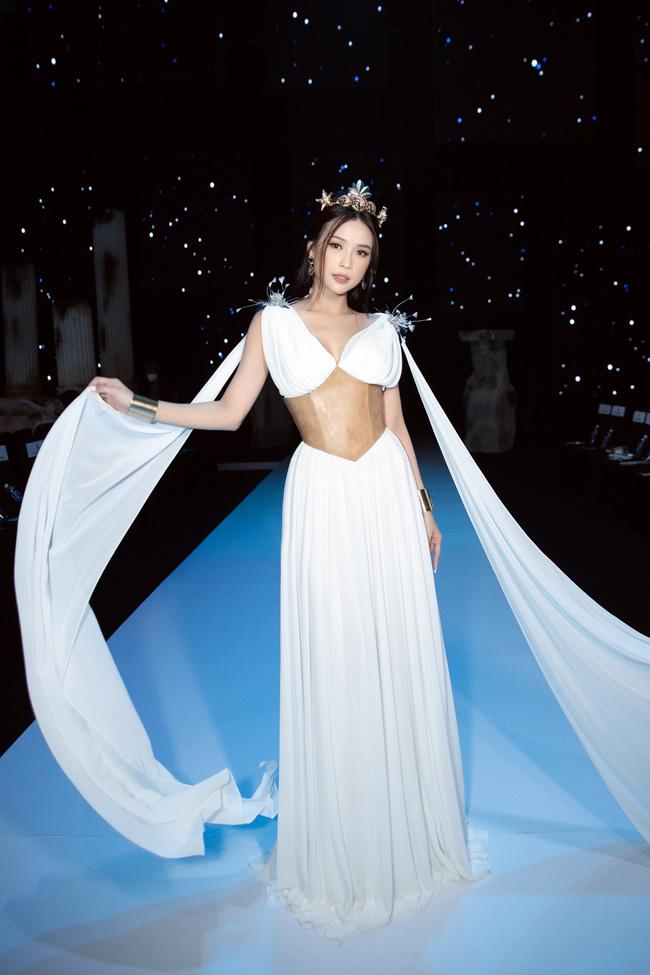 """Sam - Diệu Nhi cùng hóa nữ thần Hy Lạp, nhan sắc phải gọi là """"đỉnh cao"""" - Ảnh 7."""