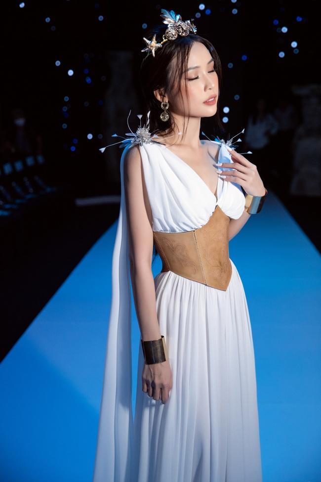 """Sam - Diệu Nhi cùng hóa nữ thần Hy Lạp, nhan sắc phải gọi là """"đỉnh cao"""" - Ảnh 9."""