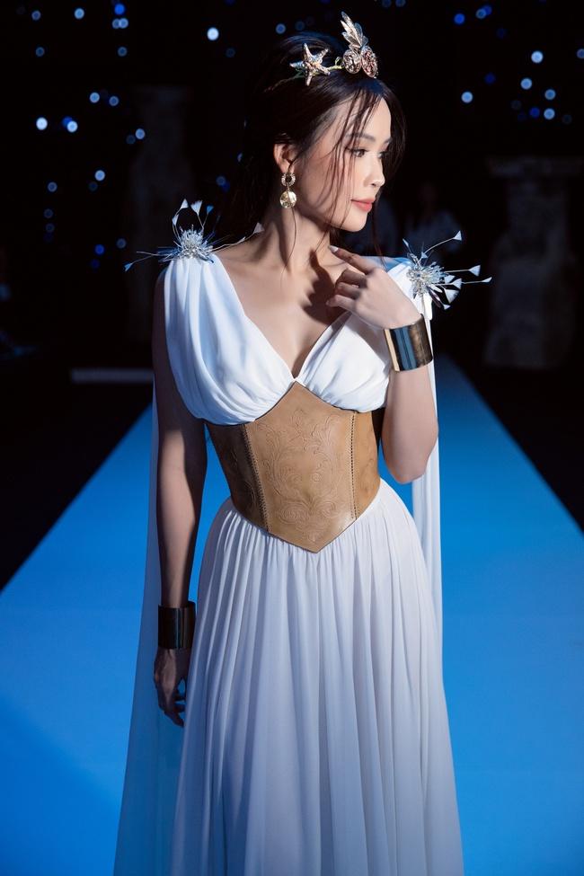"""Sam - Diệu Nhi cùng hóa nữ thần Hy Lạp, nhan sắc phải gọi là """"đỉnh cao"""" - Ảnh 8."""