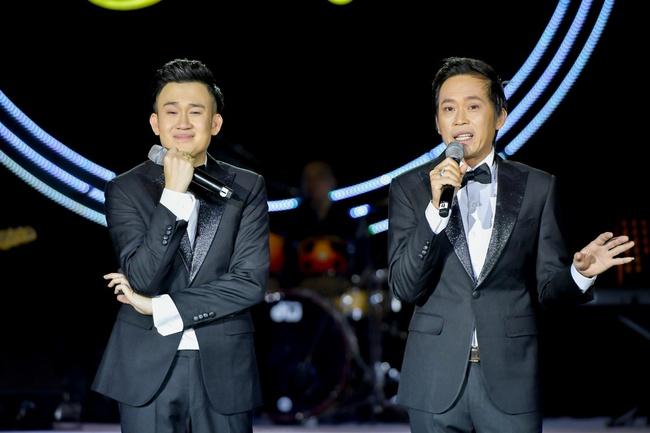Hoài Linh, Dương Triệu Vũ song ca hòa quyện, xúc động kể lại kỷ niệm cùng bố mẹ - Ảnh 5.