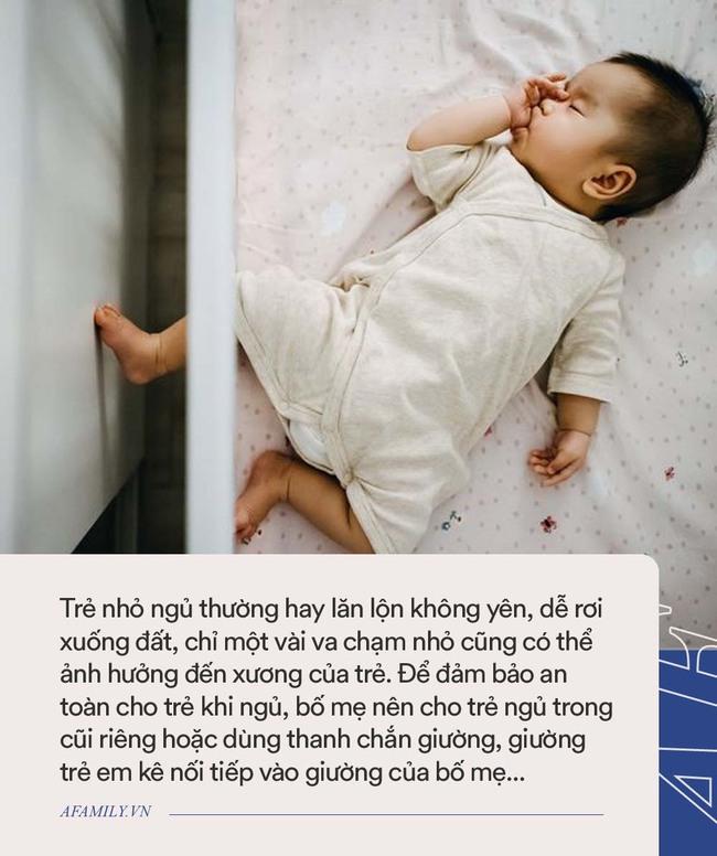 """Bố xung phong dỗ con ngủ, mẹ vào phòng nhìn cảnh tượng 2 cha con mà giận """"tím người"""" - Ảnh 6."""