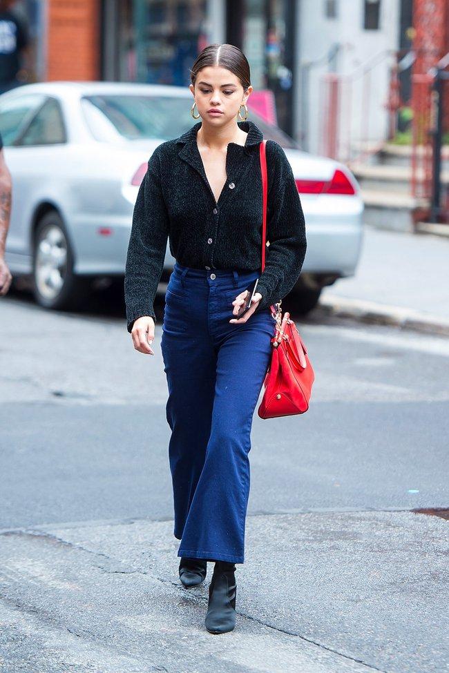 Selena Gomez diện quần jeans theo 11 cách xịn đẹp nức nở và tôn dáng hết cỡ, chị em nên học theo ngay khỏi nghĩ - Ảnh 3.