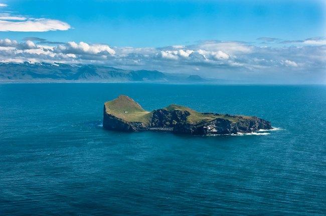 """Sự thật về """"ngôi nhà cô độc"""" bí ẩn nhất thế giới, nằm trơ trọi giữa hòn đảo hoang vắng đẹp như tiên cảnh, khác xa với đồn đoán của cư dân mạng - Ảnh 1."""