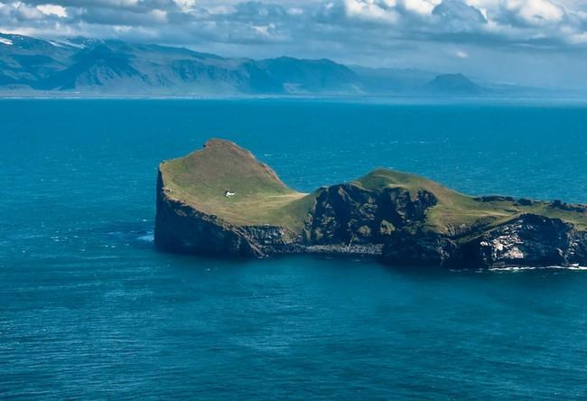 """Sự thật về """"ngôi nhà cô độc"""" bí ẩn nhất thế giới, nằm trơ trọi giữa hòn đảo hoang vắng đẹp như tiên cảnh, khác xa với đồn đoán của cư dân mạng - Ảnh 2."""