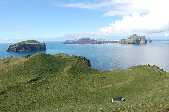 """Sự thật về """"ngôi nhà cô độc"""" bí ẩn nhất thế giới, nằm trơ trọi giữa hòn đảo hoang vắng đẹp như tiên cảnh, khác xa với đồn đoán của cư dân mạng - Ảnh 5."""