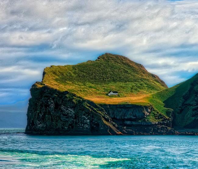 """Sự thật về """"ngôi nhà cô độc"""" bí ẩn nhất thế giới, nằm trơ trọi giữa hòn đảo hoang vắng đẹp như tiên cảnh, khác xa với đồn đoán của cư dân mạng - Ảnh 6."""