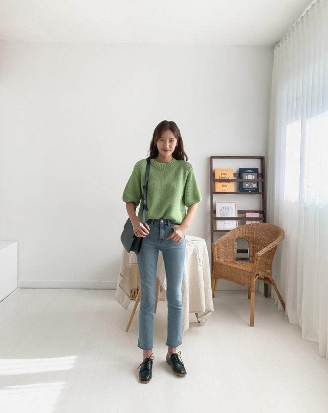 Quần skinny jeans đùng đùng hot trở lại và 12 cách diện bạn nên cập nhật ngay để sành điệu chẳng kém ai - Ảnh 1.